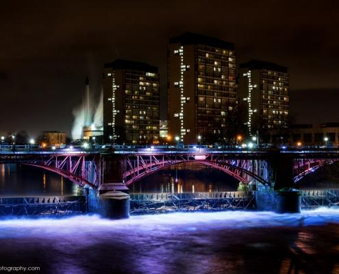 Tidal Weir and Pipe bridge over Clyde river, Glasgow